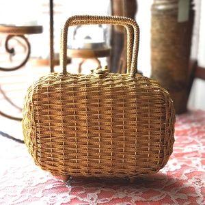 Vintage 1950s wicker handbag